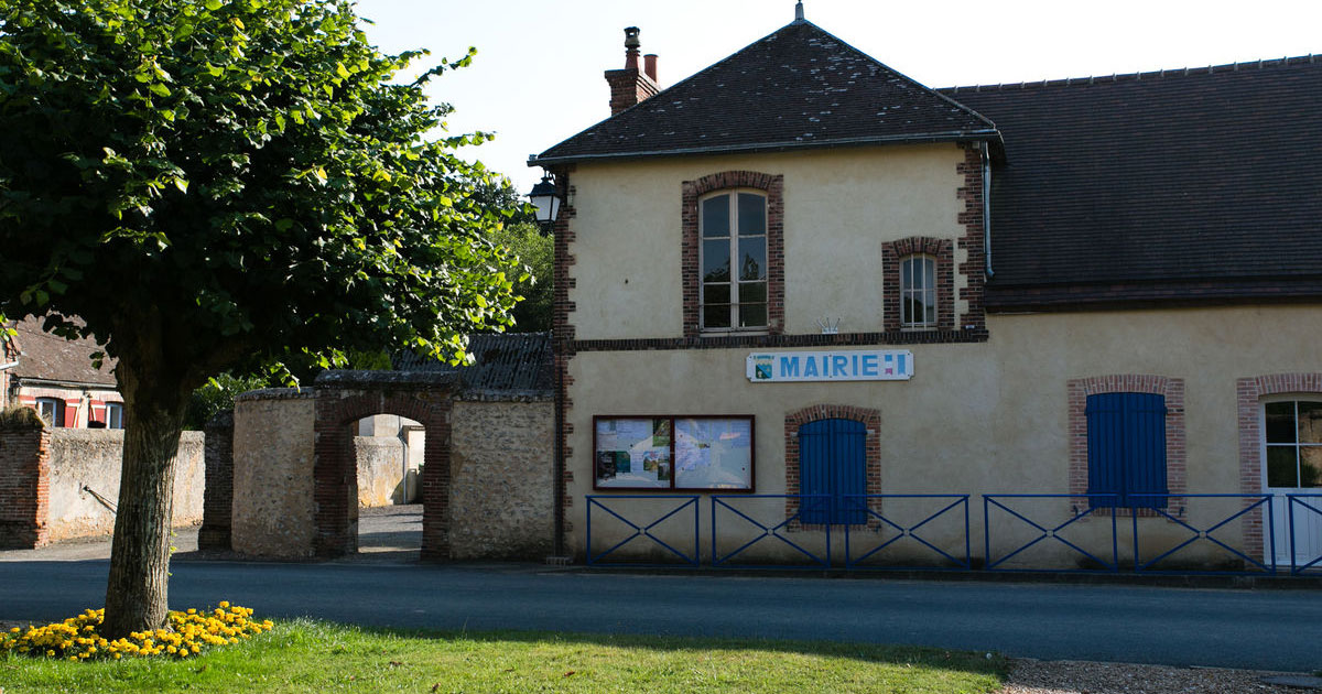 Mairie de fontaine les ribouts